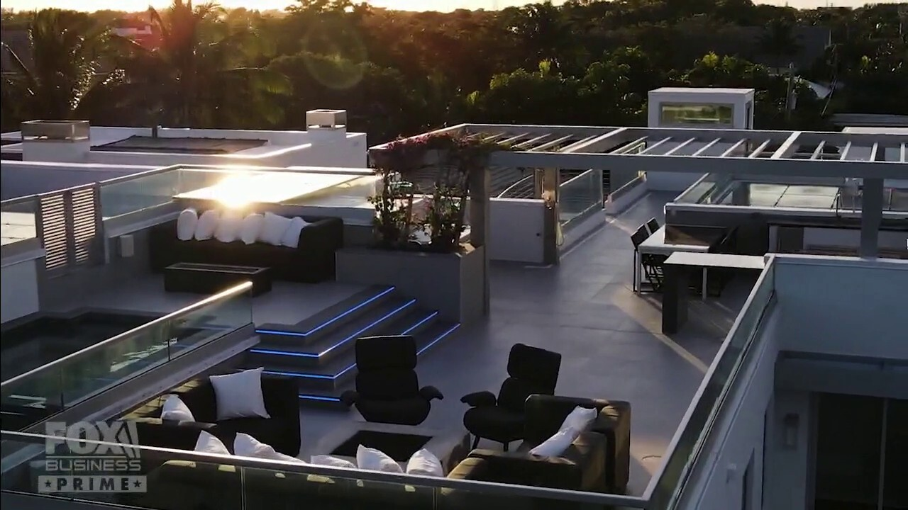 Modern West Palm Beach mansion shows off two-story pool deck