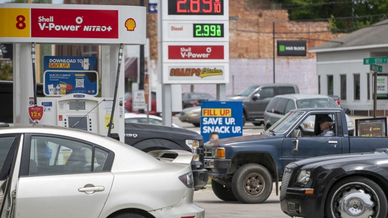 Gas shortages spreading after Colonial Pipeline hack