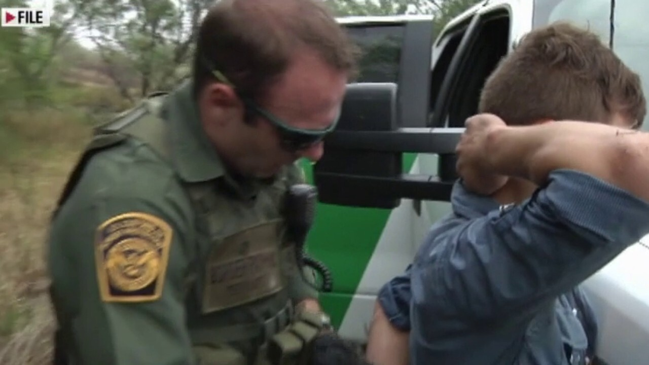 Border Patrol agents retiring early in 'droves' over policy frustration