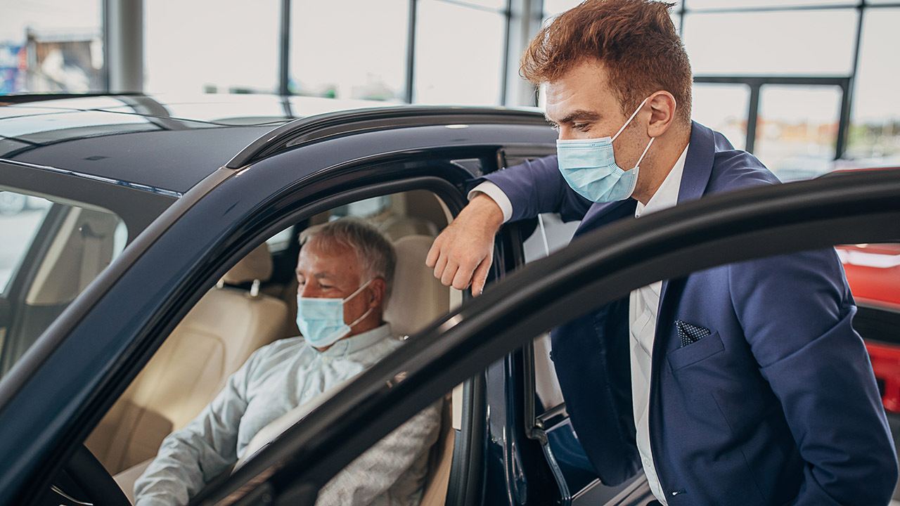 Cars.com CEO Alex Vetter discusses how the coronavirus pandemic changed the car-buying process.