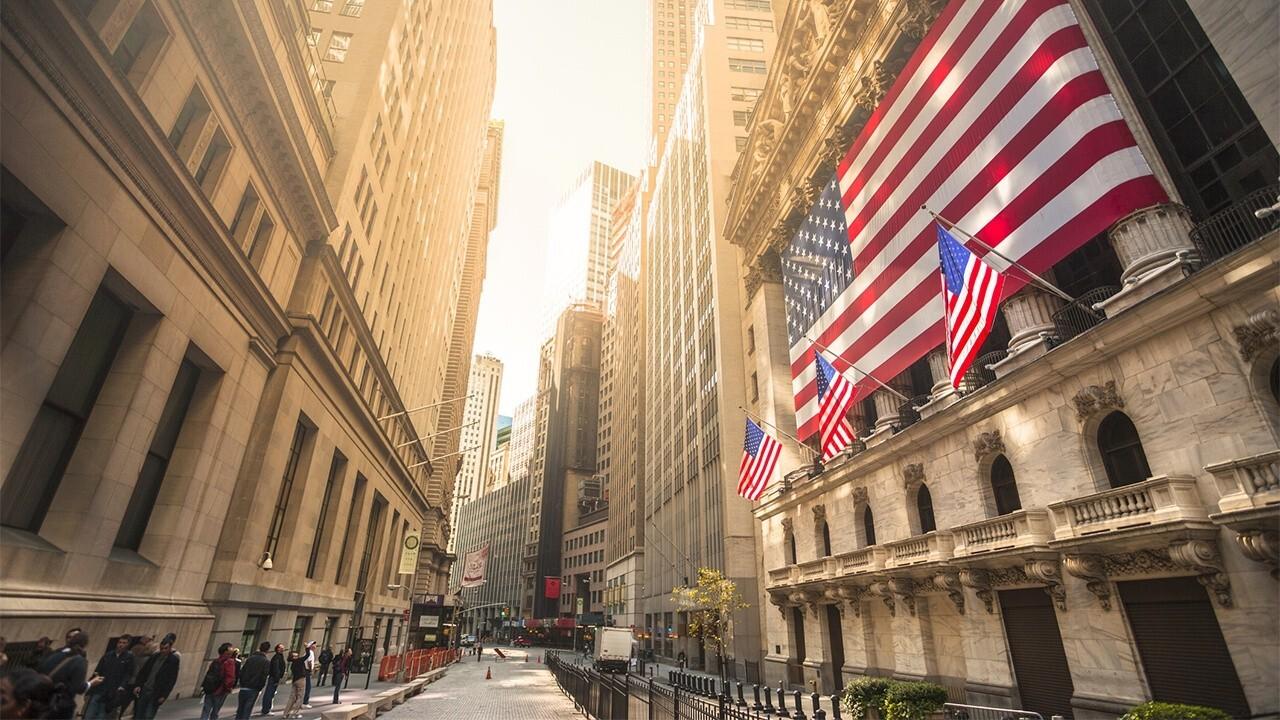 FOX Business' Stuart Varney and SlateStone Wealth chief market strategist Kenny Polcari break down Friday's market open.