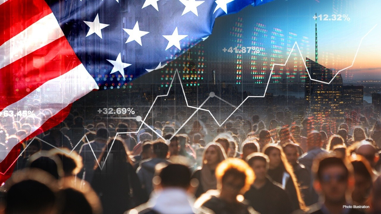 Navellier & Associates founder Louis Navellier suggests the economy is recovering following the June ADP payrolls report.