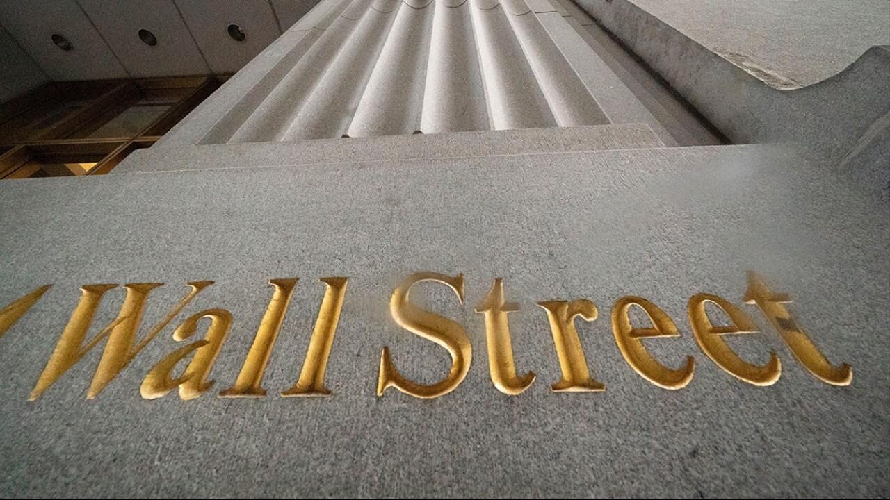 FOX Business' Stuart Varney and Lauren Simonetti break down Friday's market open, Big Tech and travel stocks.