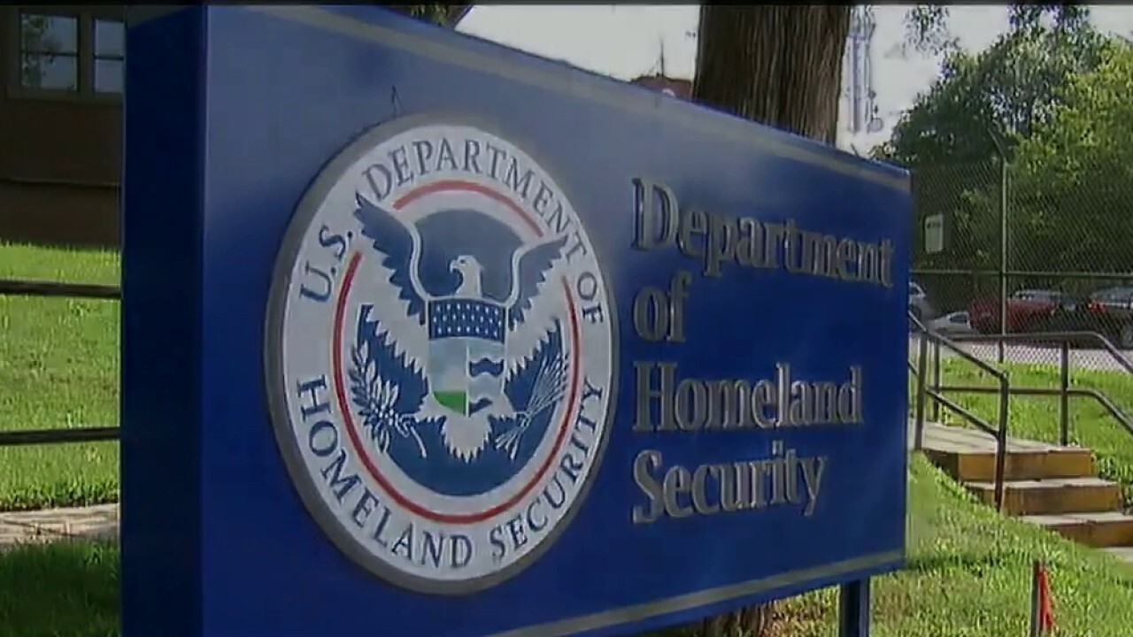 DHS releasing COVID-positive migrants into population