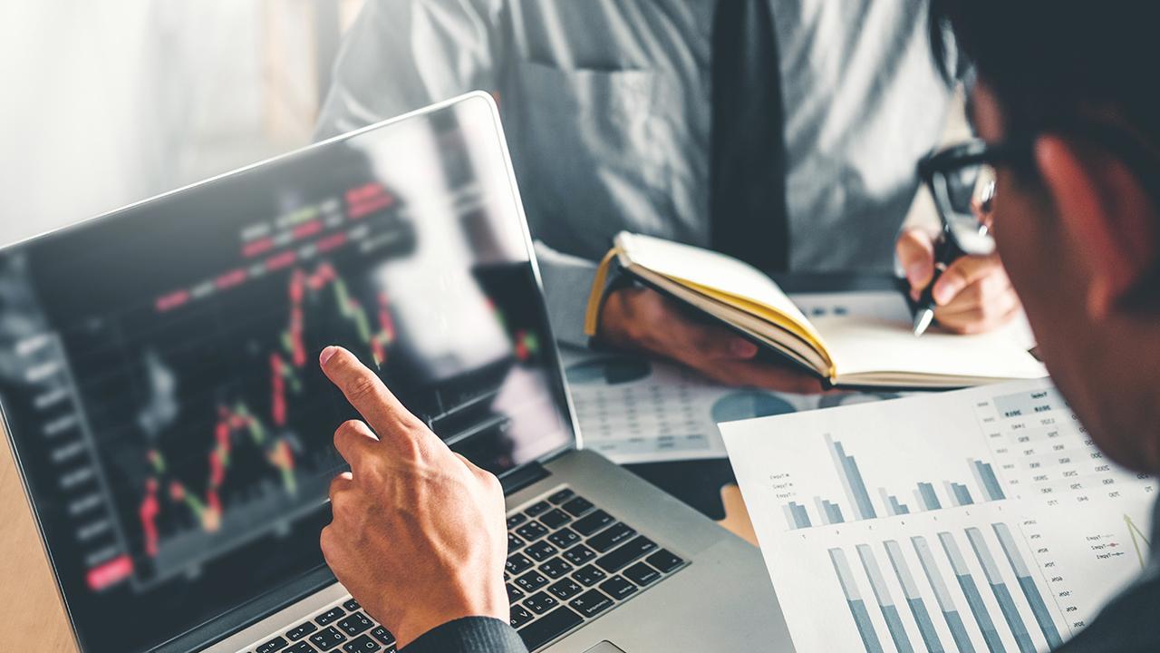 Saut Strategy founder Jeff Saut analyzes the message of the current bond market.