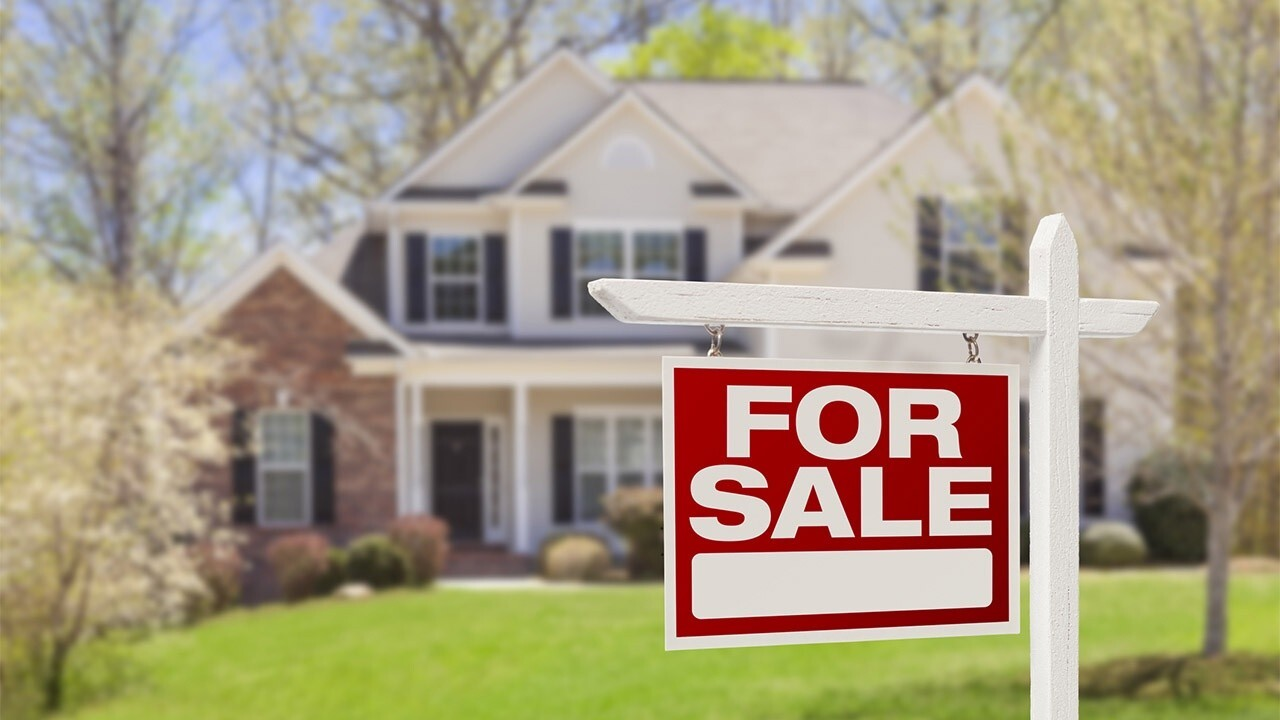 Historically low mortgage rates make it a 'great time' to buy a home: LoanDepot CEO