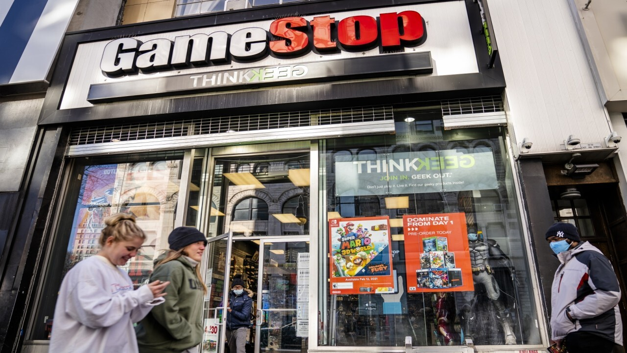 WallStreetBets founder Jaime Rogozinski discusses how retail investors can choose to play it safe by diversifying or take risks in 'meme' stocks like GameStop.
