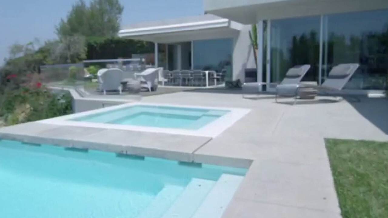'Million Dollar Listing' star breaks down California's housing market on 'The Claman Countdown'