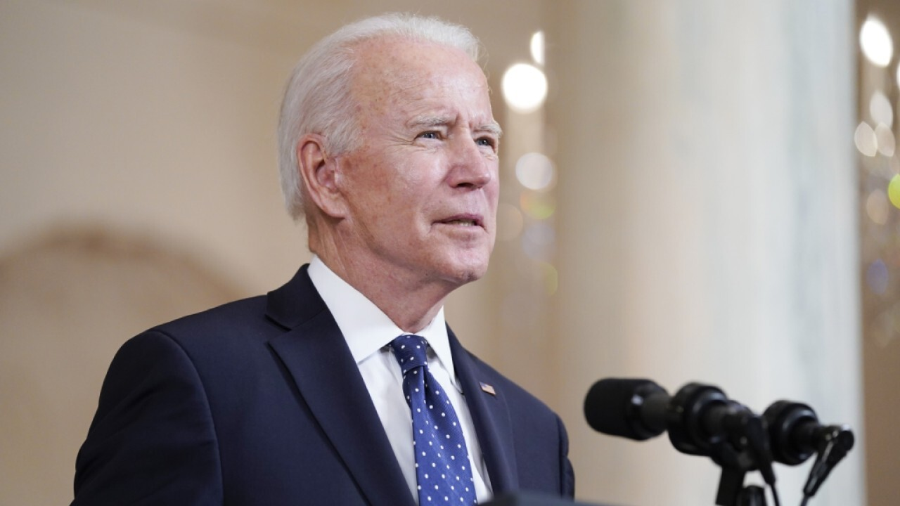 Biden comparing Georgia voting law to Jim Crow is an 'insult': Sen. Mike Lee