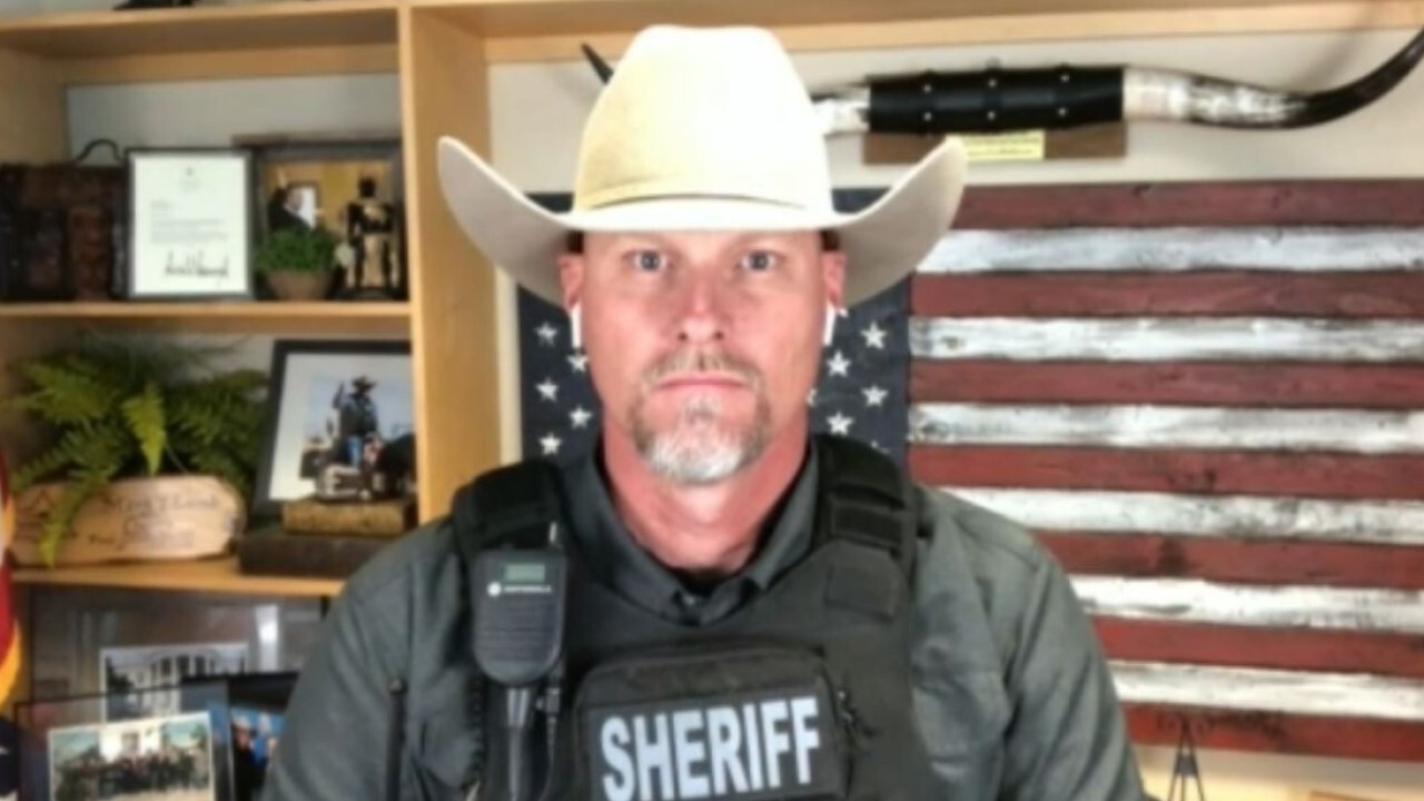 Arizona sheriff tells Biden to 'do your job' as border crossings surge