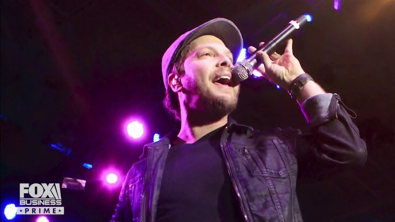 American singer-songwriter Gavin DeGraw sits down with 'The Pursuit! with John Rich' to talk family and music.