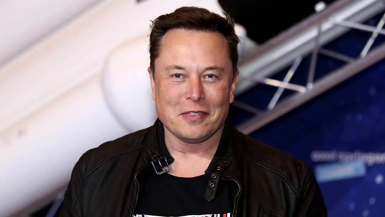 Fox News Headlines 24/7 reporter Mike Gunzelman and 'Fox and Friends First' co-host Todd Piro weigh in on Telsa leadership and Elon Musk's career.