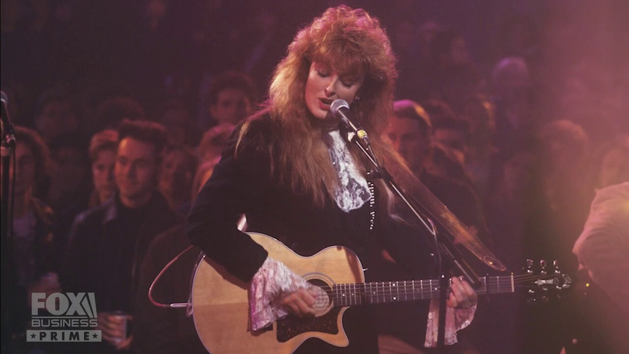Wynonna Judd shares key to pursuing happiness: 'Follow your bliss'