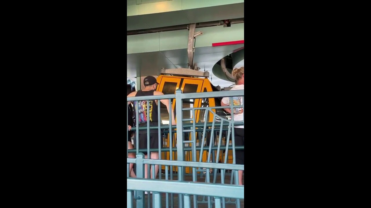 Disney Skyliner gondolas reportedly damaged at Walt Disney Resort after bumping into each other