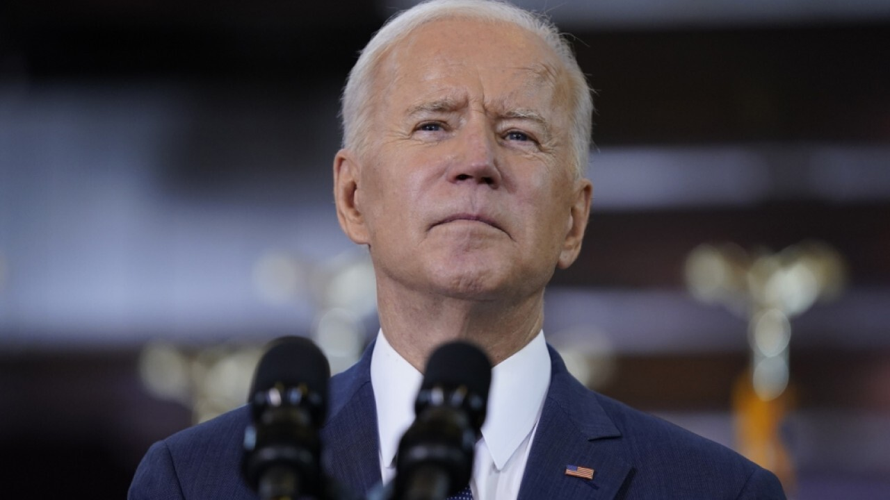 Sen. Ron Johnson and Rep. Tom Emmer weigh in on Biden raising taxes while avoiding his own on 'The Evening Edit.'