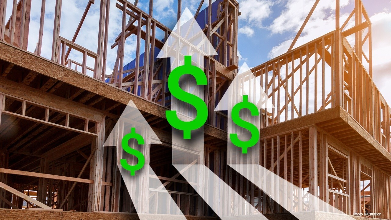 National Association of Home Builders CEO Jerry Howard says new home construction data is showing similar trends to the 2008 housing market crash.