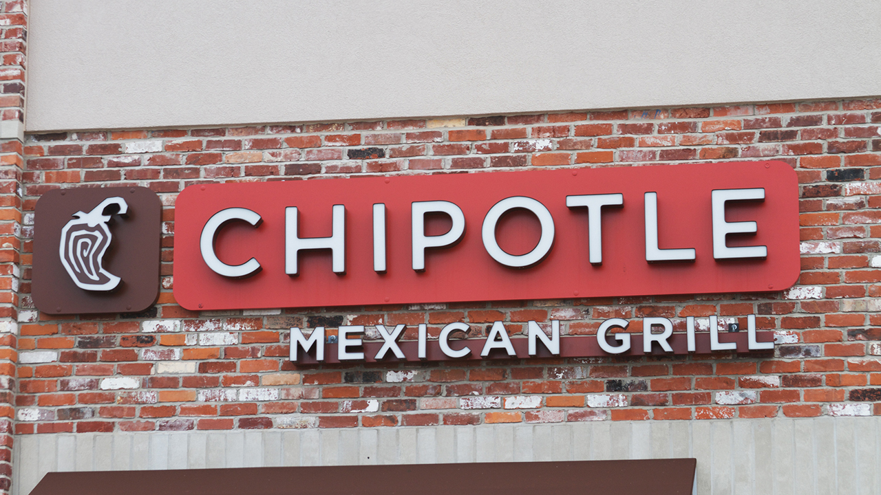 Jack Hartung, Chipotle's CFO, announces Chipotle's newest meaty addition of brisket to the menu. Jack also joins 'Cavuto: Coast to Coast' to discuss the rising prices of the menu to offset labor costs and Chipotle's core crowd.