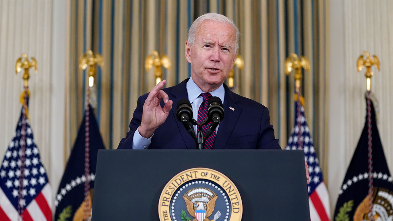 President Biden delivers remarks on vaccine mandates for businesses during Illinois visit