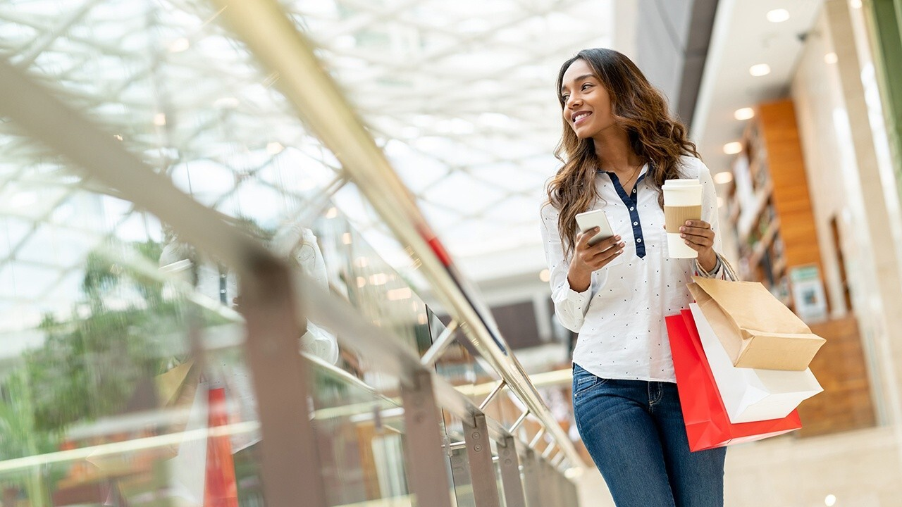 Strategic Resource Group managing director Burt Flickinger on how retail supply chain issues will impact holiday shopping.