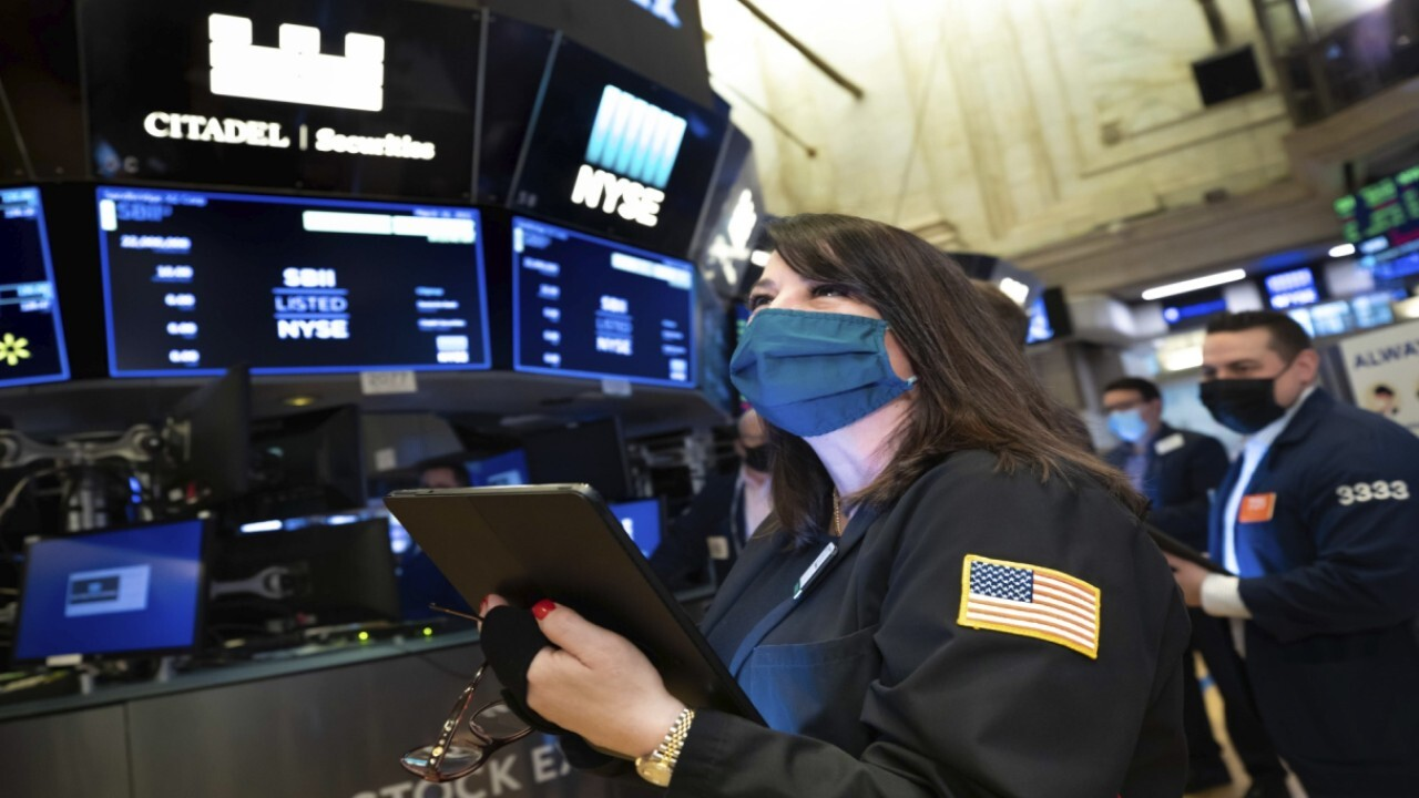 Payne Capital senior wealth adviser Courtney Dominiguez and Moody's Analytics Capital Markets chief economist Jon Lonski discuss the vulnerability in the market and the economy reopening.