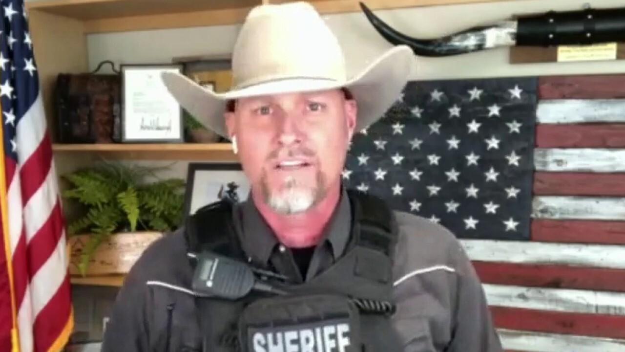 Arizona sheriff: Illegal border crossing happening every day