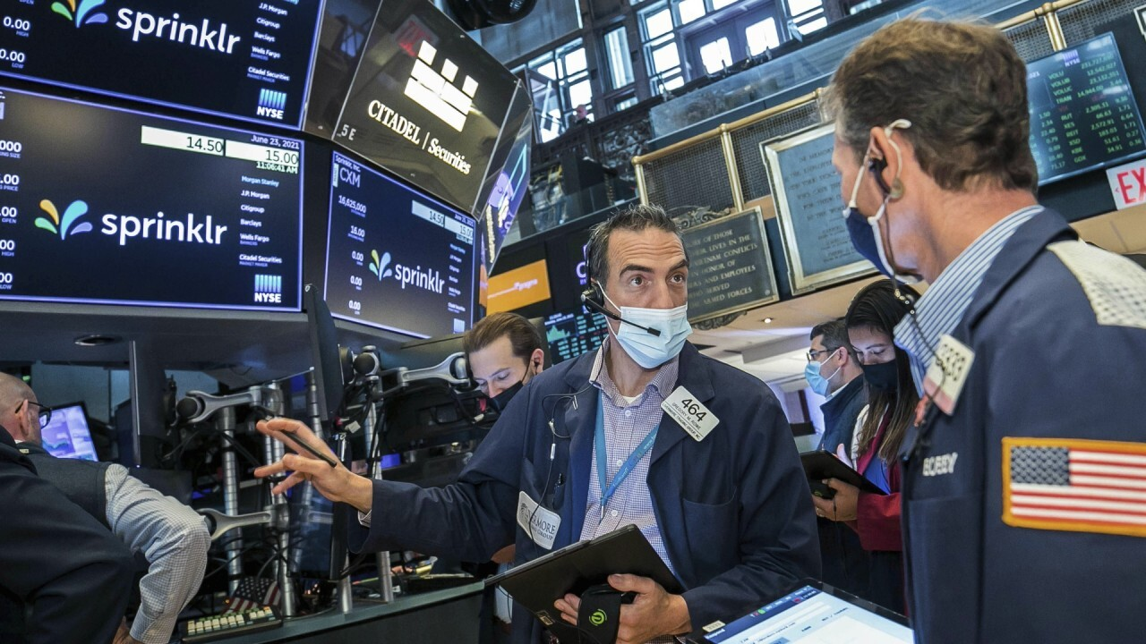 Federated Hermes Global Equities CIO Steve Auth shares his market picks.