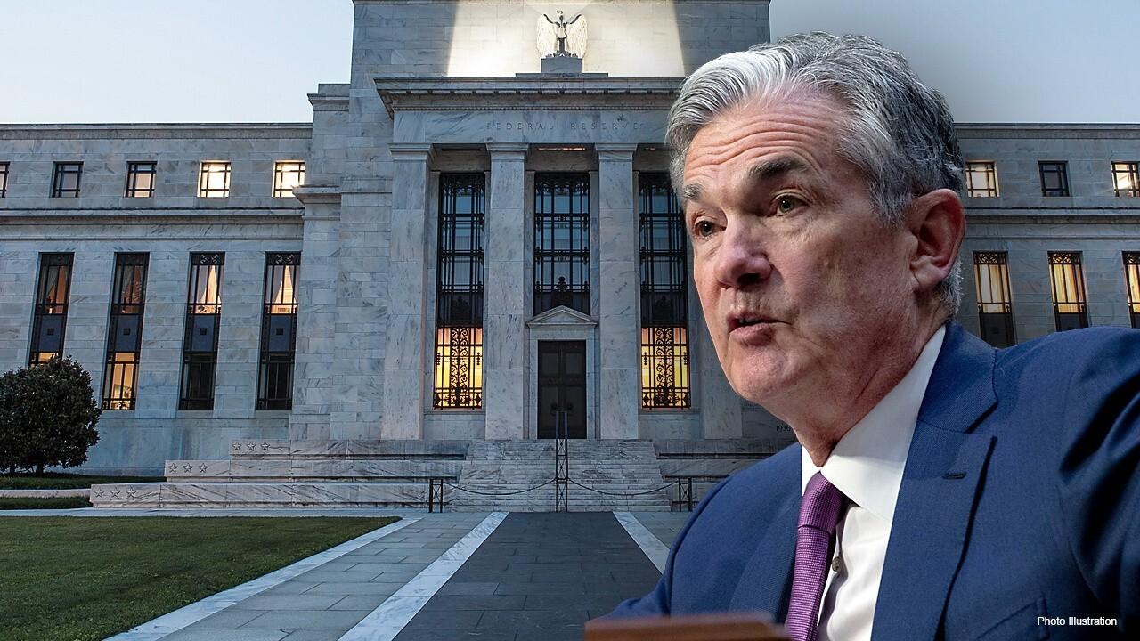 Economist: Expect start to 'mild' tapering in November