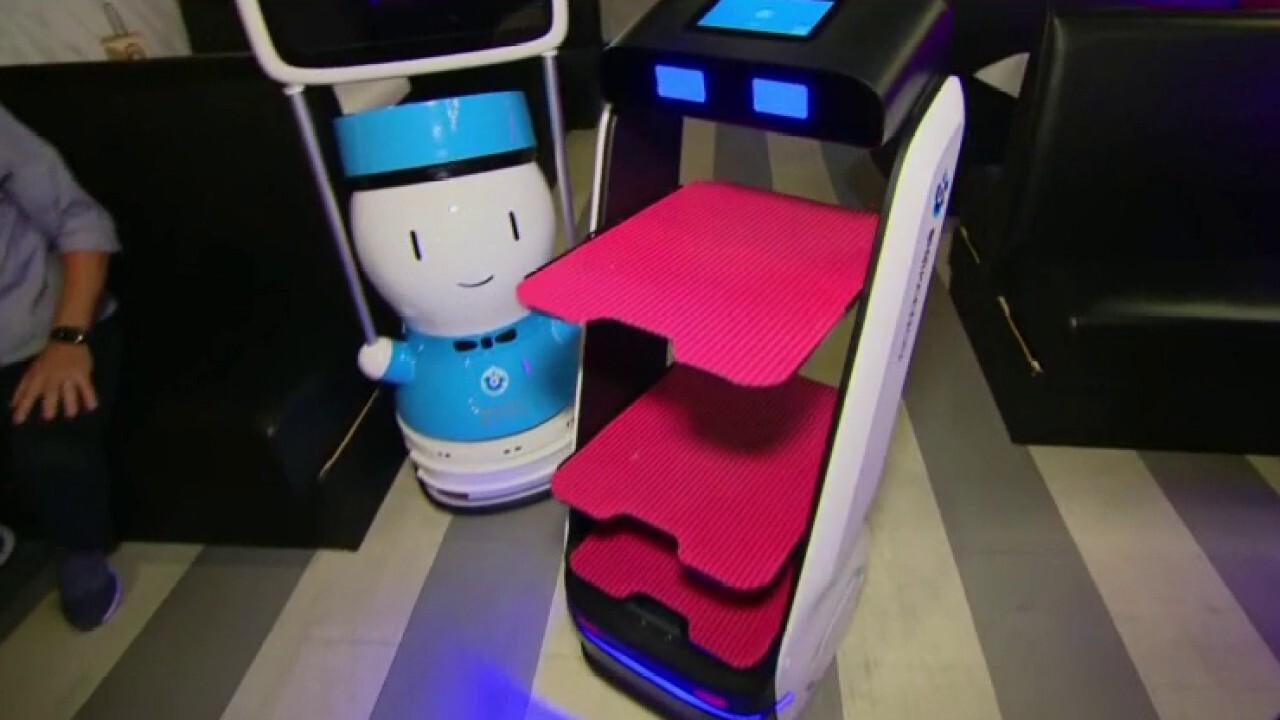 Florida restaurants deploy robot servers