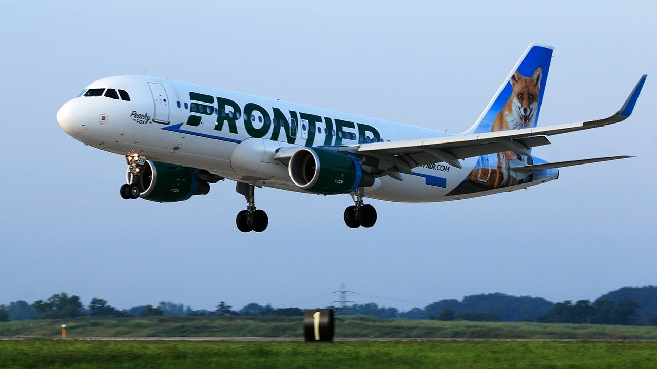 Former Frontier Airlines CEO and Manifest CEO Jeff Potter on airlines delaying the sale of alcohol on flights.