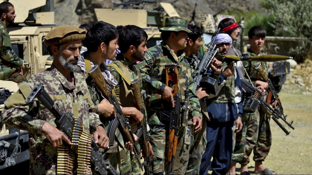 Security and exfiltration expert Kelley DeConcilis and former assistant secretary of state Bob Hormats weigh in on the U.S. working with the Taliban over Afghanistan crisis on 'The Claman Countdown'