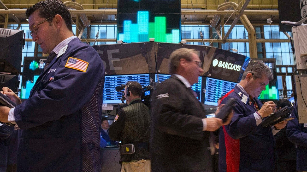 FOX Business' Stuart Varney and Susan Li on Wednesday's market open, cybersecurity, China and tech stocks.