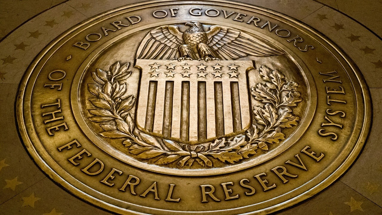 Top Fed official pushes for quick 'taper'