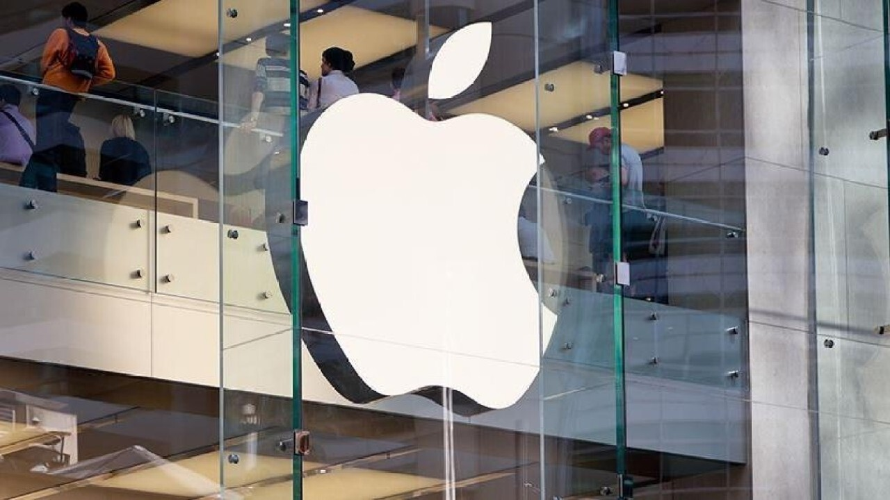 FOX Business' Susan Li and Constellation Research CEO Ray Wang discuss Apple's business model.