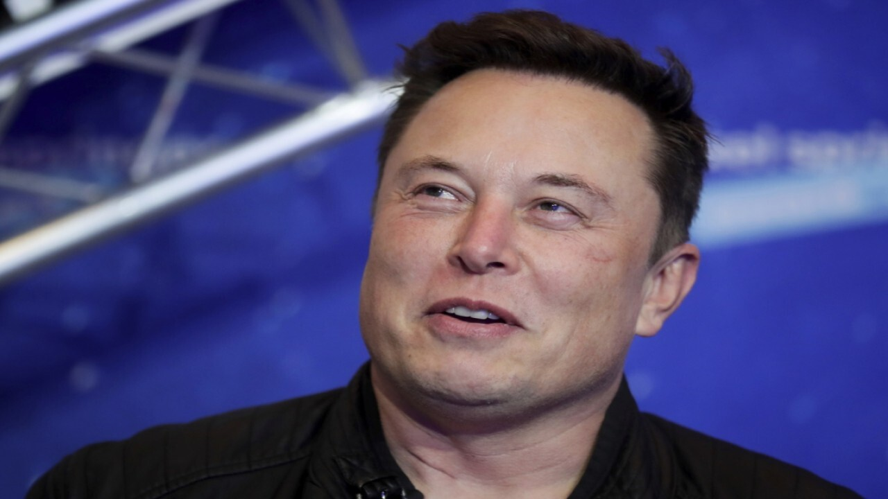 Elon Musk discusses technology companies moving to Austin, Texas on Joe Rogan's podcast, calling it a 'mega boom.' FOX Business' Susan Li with more.