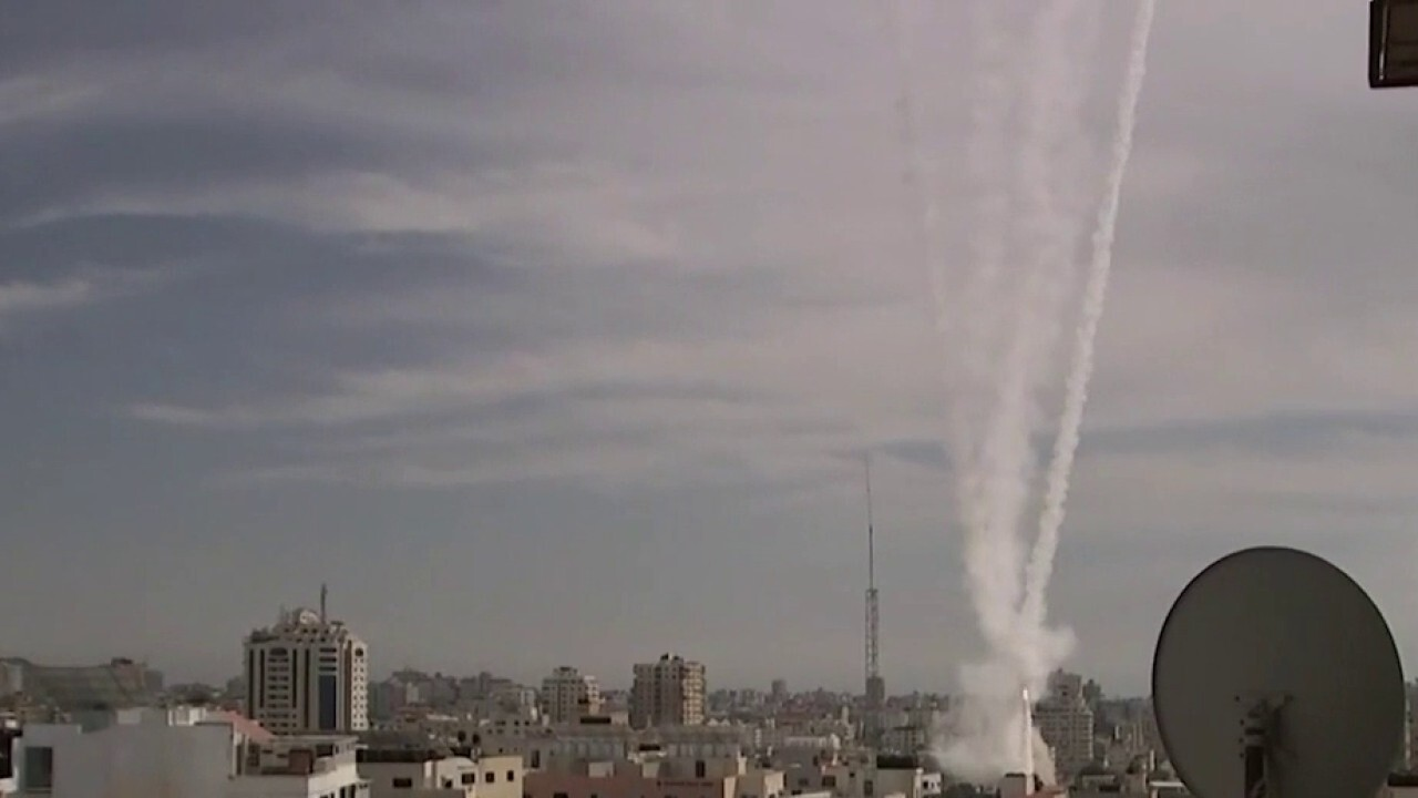 Biden urges cease-fire in Israel-Hamas conflict as fighting rages