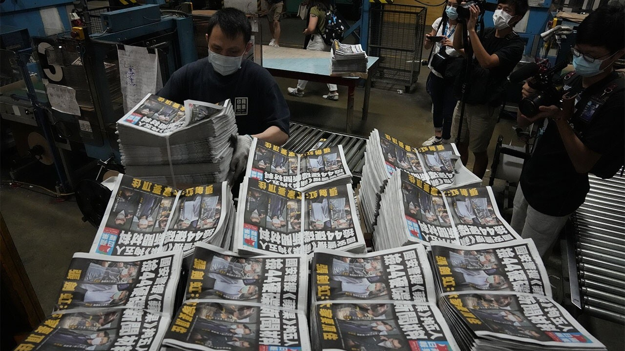 Former Deputy National Security Advisor Stephen Yates on Hong Kong's biggest pro-democracy newspaper Apple Daily shutting its doors after a recent raid from the government.