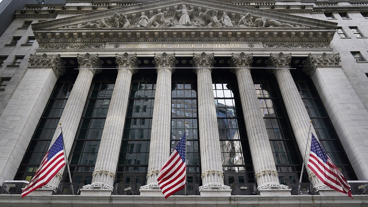 Former NYSE CEO Dick Grasso offers insight on the retail investing trend, the NYSE possibly being taxed out of New York and Democrats' $1.9T COVID-19 relief proposal.