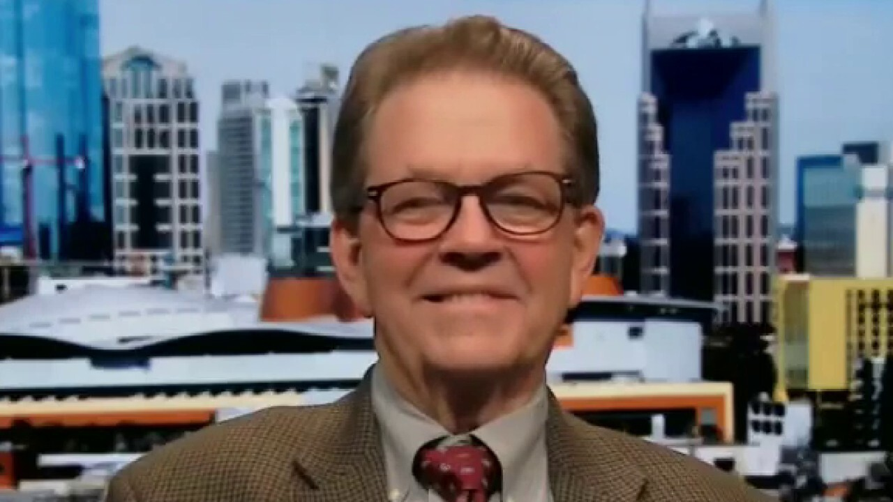Laffer Associates chairman discusses the backlog of relief spending under the new administration.