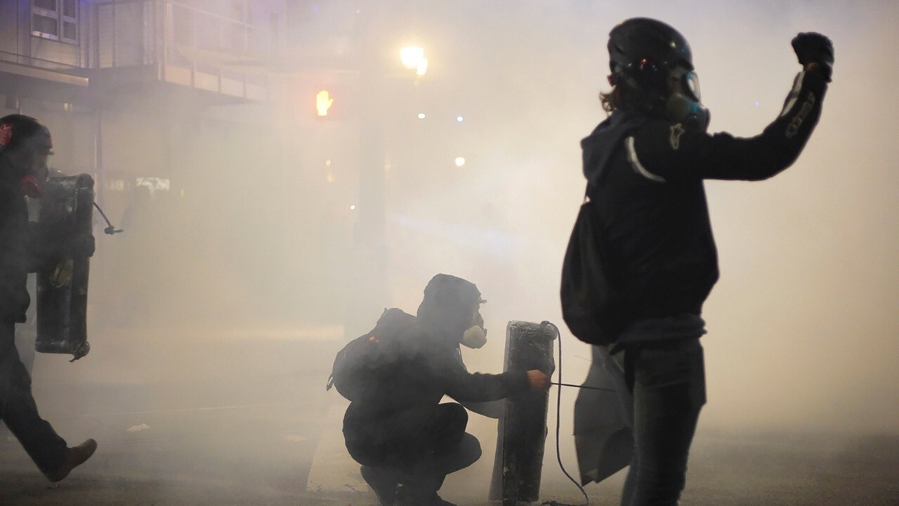 Portland rioters attack local ICE building