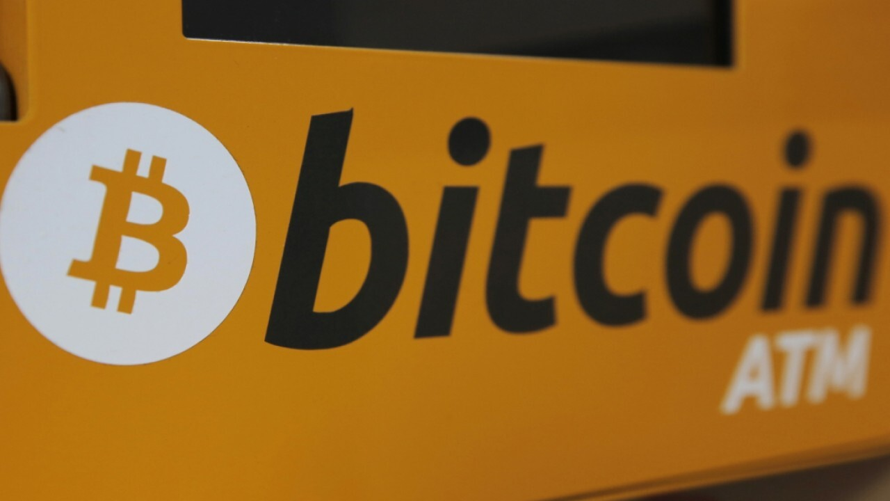 Retail investors should be in bitcoin rally, but be cautious of it: Market strategist