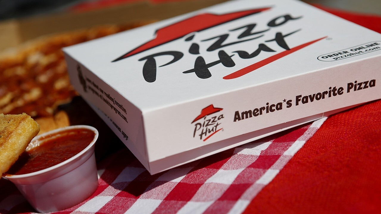 Pizza Hut working to hire 40K employees by end of the year