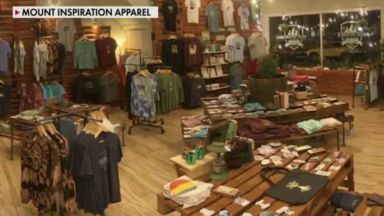 Founder and CEO of Mount Inspiration Apparel Evans Prater and General Manager Mary Grace Flattery discuss Mary being a 19-year-old in a manager position and the communication and leadership aspects that come with it.
