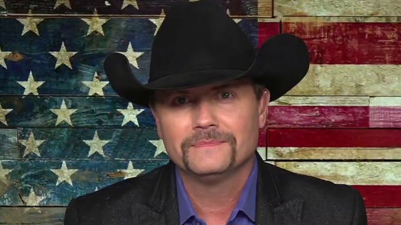 John Rich, host of FOX Business' 'The Pursuit! With John Rich,' discusses his new show premiering Wednesday night, which will feature interviews with celebrities and dream chasers.