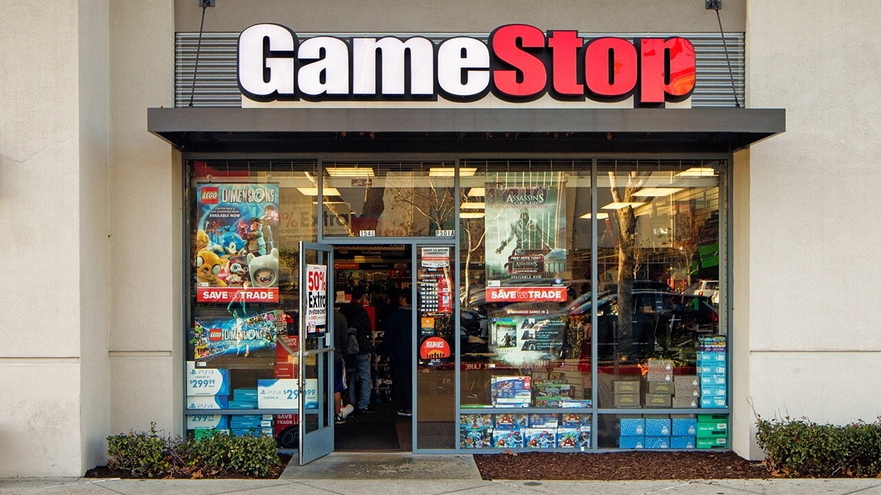 Beginner investor Arya Hamzelou explains how he taught himself about investing amid the coronavirus pandemic and experienced 'real gains' after investing in AMC and GameStop.