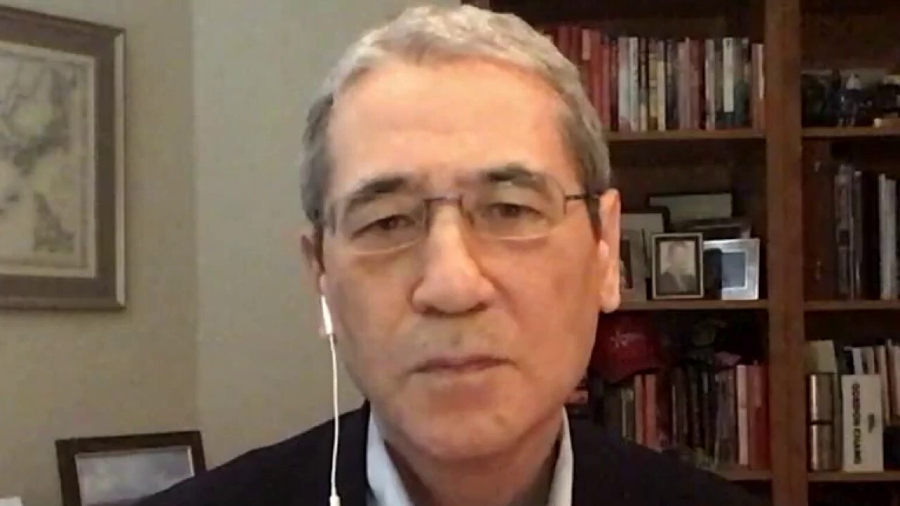 China expert says Evergrande could very well be the 'biggest debt crisis in history'