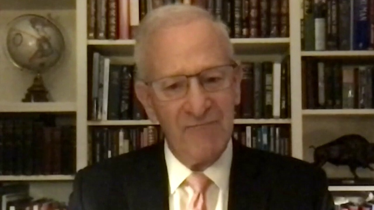 Former Kansas City Fed President Thomas Hoenig argues the middle class will be 'caught up' in Biden's IRS proposal.