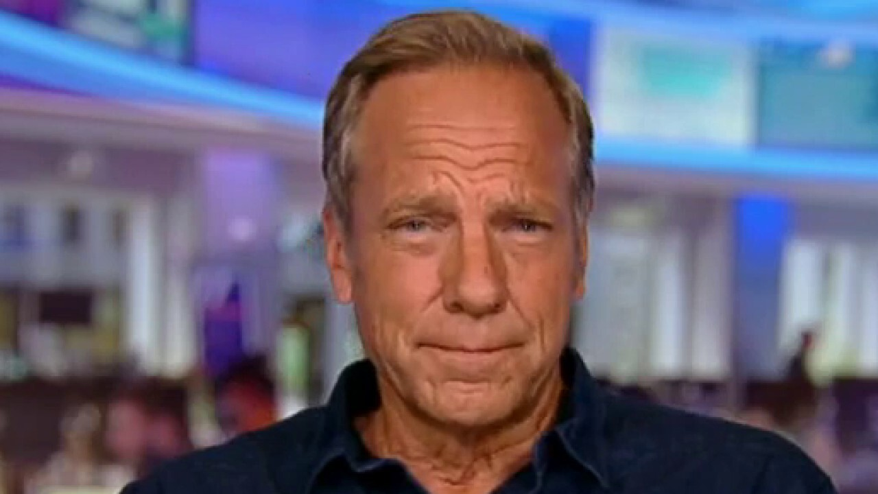 Executive Producer and Narrator Mike Rowe discusses the premiere of 'How America Works' Monday at 8 p.m. ET on FOX Business.
