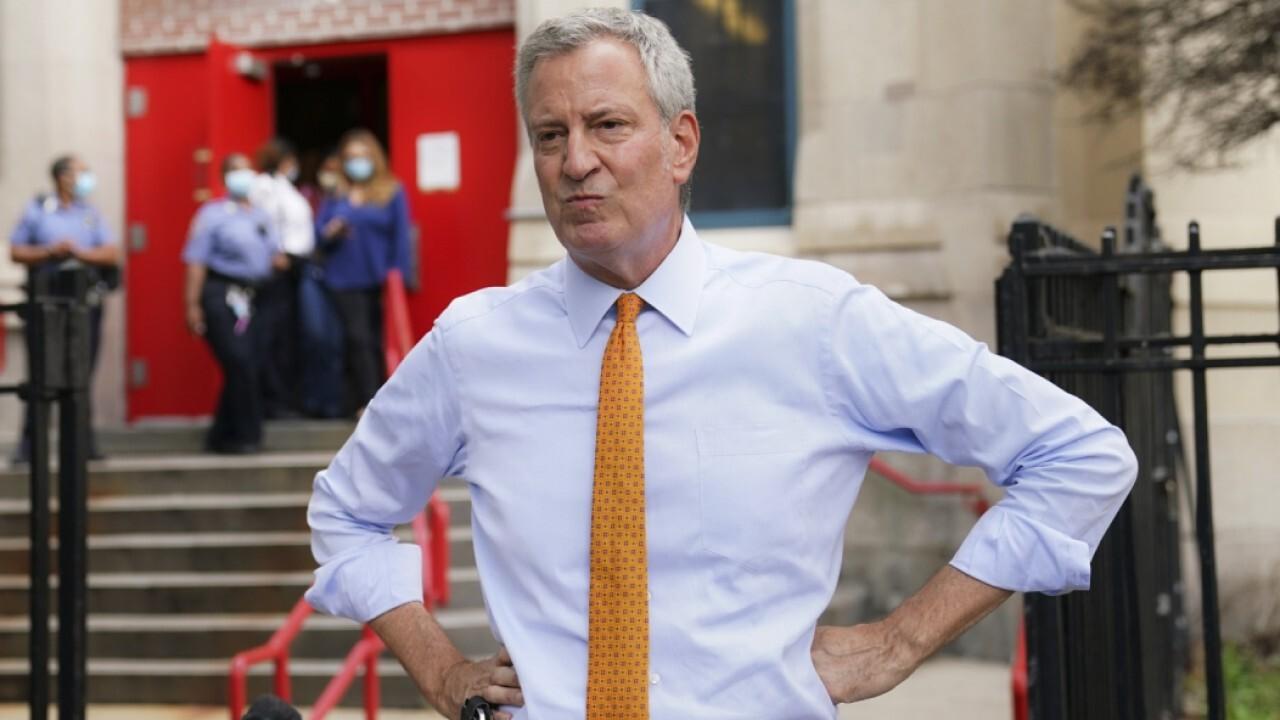 NYC Mayor Bill de Blasio claims restaurants are in favor of his vaccine mandate