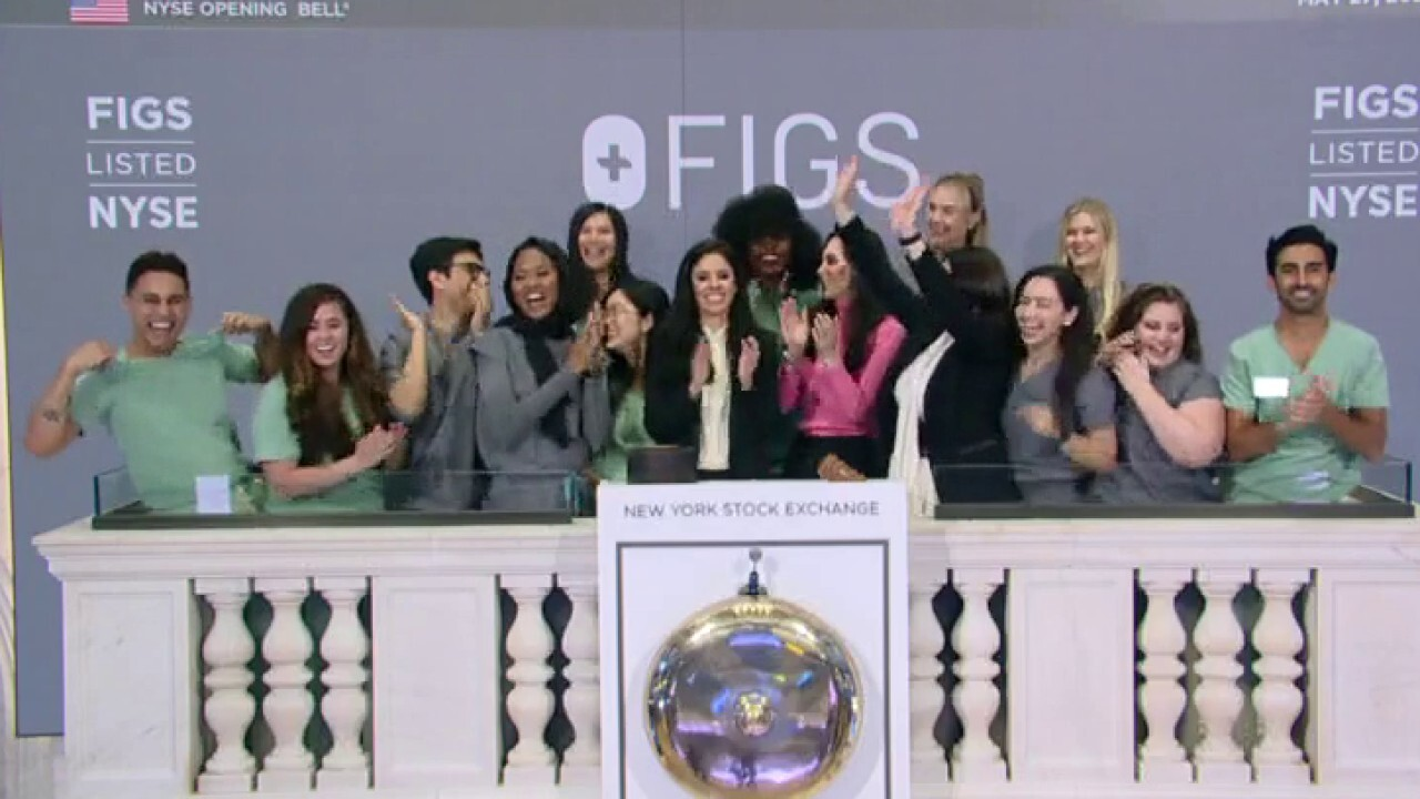 FIGS co-founders Heather Hasson and Trina Spear discuss the success of their public launch.