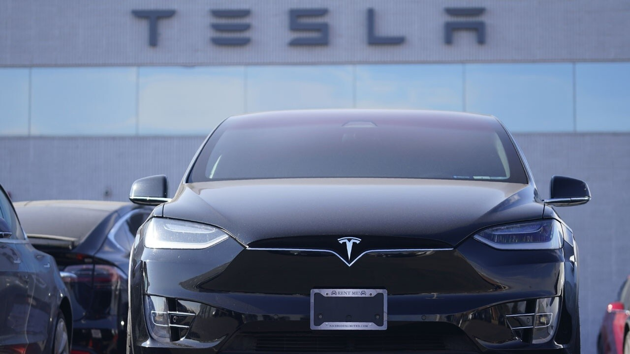 New Street Research Managing Partner Pierre Ferragu explains why he's not worried about Tesla's stock slide.